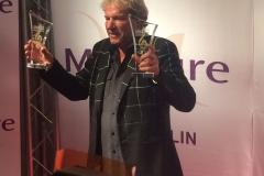 Bernhard Brink überglücklich mit seinen beiden Smago-Awards